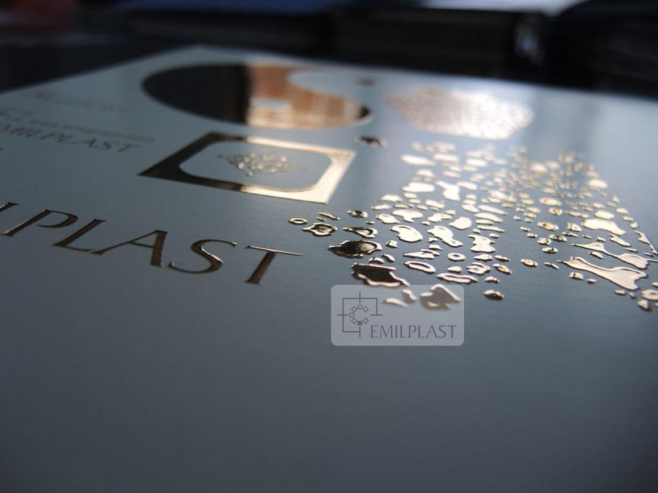 stampa-con-lamina-oro-a-caldo spessorata