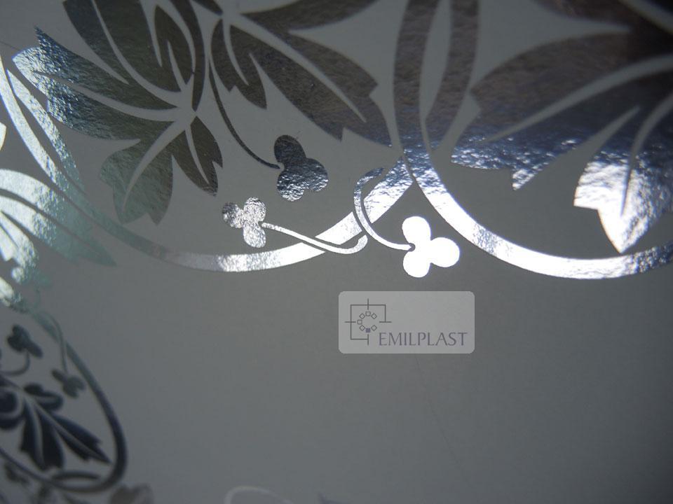 verniciatura-uv-offset-opaca-a-registro-su-metallizzato-argento